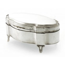A Stylish Silver Jewellery Box in a Shaped Oval Form c.1911