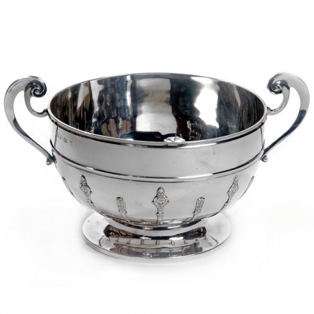 Very Good Quality Silver Edwardian Bowl with Two Applied Handles