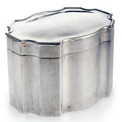 Plain Silver Box with Eight Concave Curves and Hinged Lid