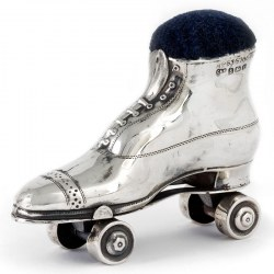 Edwardian Silver Roller Skate Pin Cushion in Excellent Condition