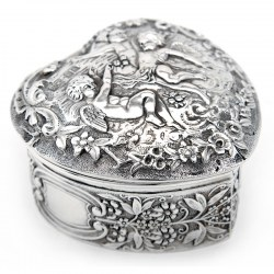 Antique Mappin & Webb Heart Shaped Silver Trinket Box. 1903