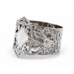 Edwardian Shaped Pierced Silver Napkin Ring Engraved with Scrolls and Floral Decoration