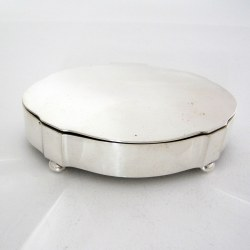 Antique Silver Jewellery Box in a Shaped Oval Form and Hinged Lid (1922)