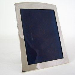 Smart Good Quality Silver Photo Frame with Oak Easel Back (1924)