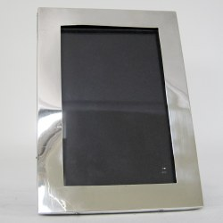 Smart Plain Mount Silver Photo Frame with Black Leather Back (1915)