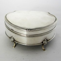 Large Size Oval Silver Jewellery or Trinket Box with Green Felt Lining