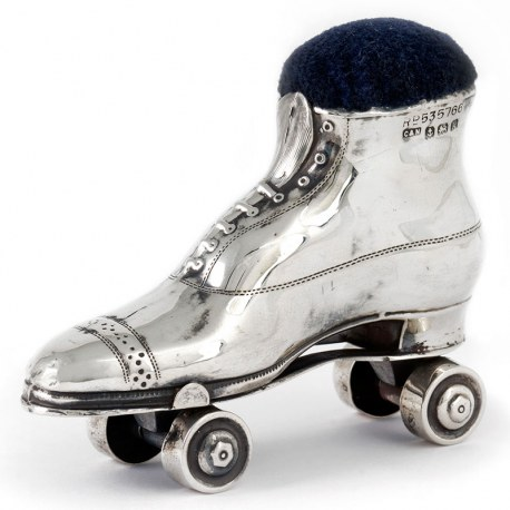 Edwardian Silver Roller Skate Pin Cushion in Excellent Condition (1909)