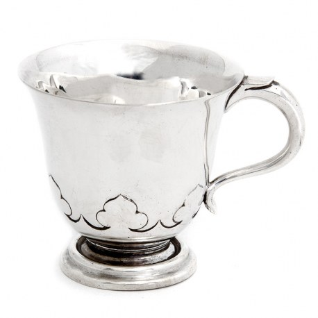 Plain Lipped Body and Cut Cardwork Base Silver Christening Mug (1921)