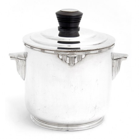 Art Deco Silver Plate Box or Barrel with a Pull Off Lid and Turned Black Finial (c.1930)