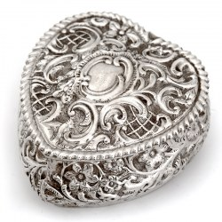 Late Victorian Heart Shaped Silver Box with Gilt Interior (1894)