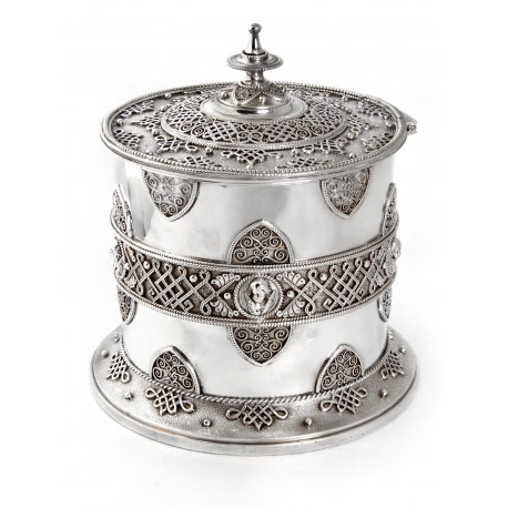Victorian Filigree Patterned Silver Plated Biscuit Barrel with Winged Cherubs (c.1890)
