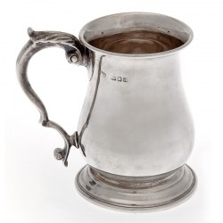 Good Quality George III Style Vintage Silver Half Pint or Christening Mug (1943)