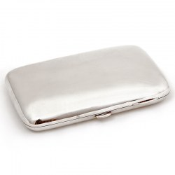 Plain Silver Cigar Case with Central Push Button Latch and Gilt Interior (1902)
