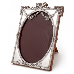 Impressive Neo-Classical Edwardian Silver Picture Frame with Repousse Garland and Stylised Floral Decoration