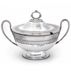 Impressive Large Late Victorian Boat Shaped Silver Plated Tureen (c.1890)