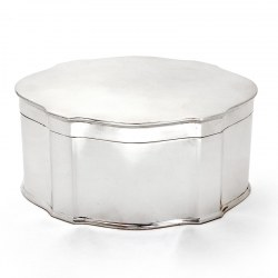 Thomas Bradbury Silver Plated Plain Oval Box with a Hinged Lid (Circa 1900)
