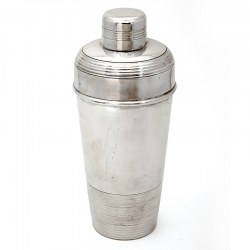 Continental Silver Plated Cocktail Shaker with a Ribbed Top and Integral Ice Strainer