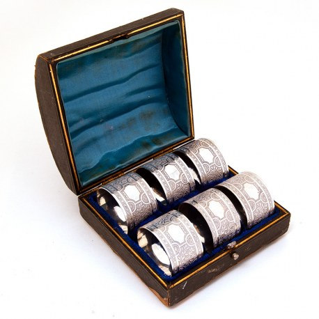 Boxed Set of Six Late Victorian English Silver Plated Napkin Rings (c.1890)