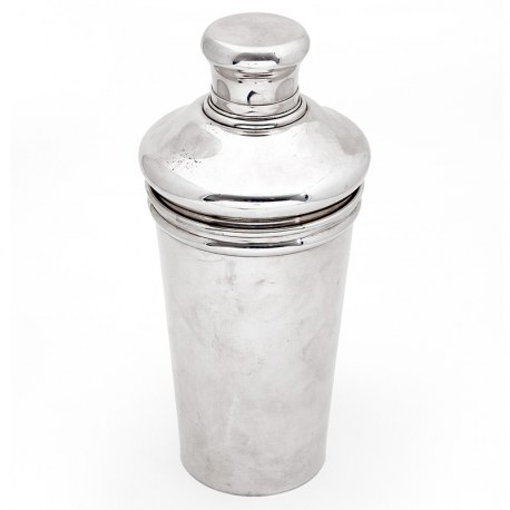 Tiffany & Co 1.5 Pint Sterling Silver Cocktail Shaker (c.1940)