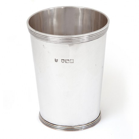 Georgian Style Antique Silver Beaker with a Cylindrical Tapering Body (1907)
