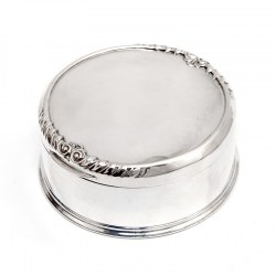 William Comyns Silver Trinket or Jewellery Box with a Gadroon and Scroll Decoration