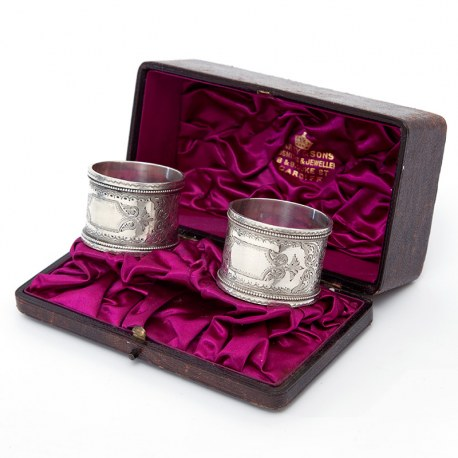 Pair of Attractive Boxed Antique Victorian Silver Napkin Rings