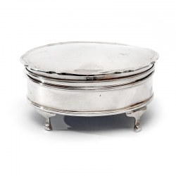 Plain Silver Jewellery or Trinket Box with a Hinged Pie Crust Border Lid