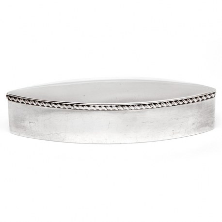Oval Silver Trinket or Jewellery Box with a Hinged Lid and Gadroon Border