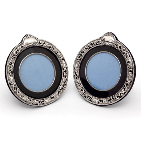 Pair of Victorian Decorative Circular Chester Silver Photo or Picture Frames