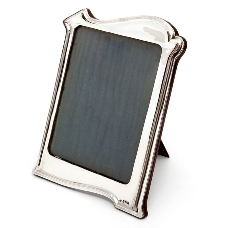 Large Art Nouveau Style Silver Frame with a Plain Shaped Stylised Border (1923)