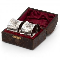 Victorian John Round Boxed Pair of Silver Convex Shaped Napkin Rings