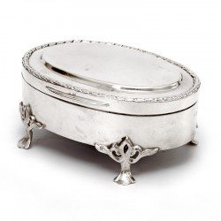 Oval Edwardian Silver Jewellery Box with a Hinged Plain Lid and Wreath Style Border
