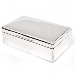 Completely Plain Edwardian William Comyns Cedar Lined Silver Cigar Box